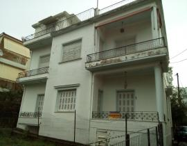 Πώληση, Διαμέρισμα 229 τ.μ., Κέντρο, Αγρίνιο, € 110.000