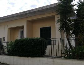 Πώληση, Μονοκατοικία 95 τ.μ., Κέντρο, Αγρίνιο, € 95.000